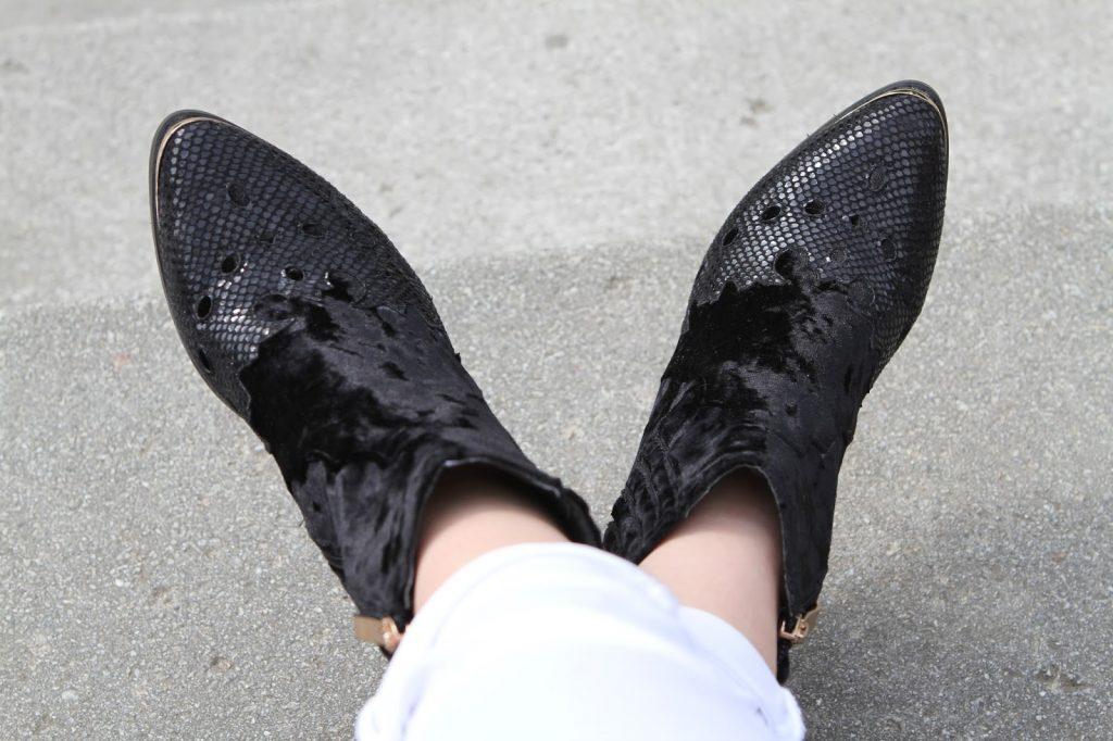 Sienna Miller western boots