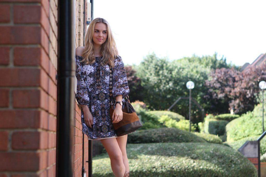 The Elle next door Ellie Adams