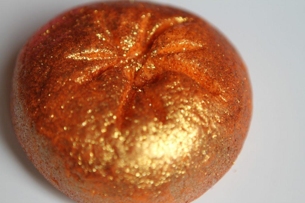 Lush Sparkly pumpkin
